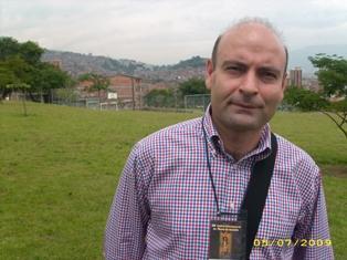 Husên Hebeş li festîvala Navnetewî ya Helbestê  (Kolombiya - Medellín)