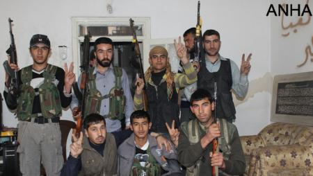 Zarokekî leşker di nav hêzên YPG li taza Şêx Meqsûd li Helebê / ANHA